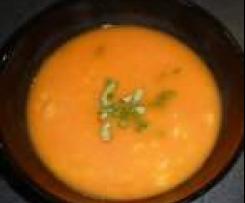 Rajčatová polévka s bazalkou a skořicí