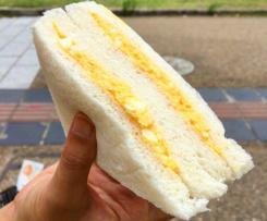 Vaječná pomazánka se sýrem a česnekem