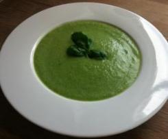 Letní brokolicová polévka