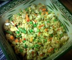 Zeleninová rýže bez rýže, s kuřecím masem