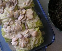 Kapustové rolky s jáhly a houbovou omáčkou