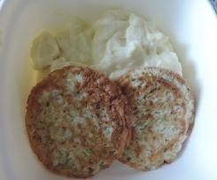 Cuketovo-sýrové placičky s bramb. kaší