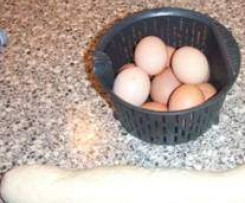 Koprová omáčka s houskovým knedlíkem a vajíčkem